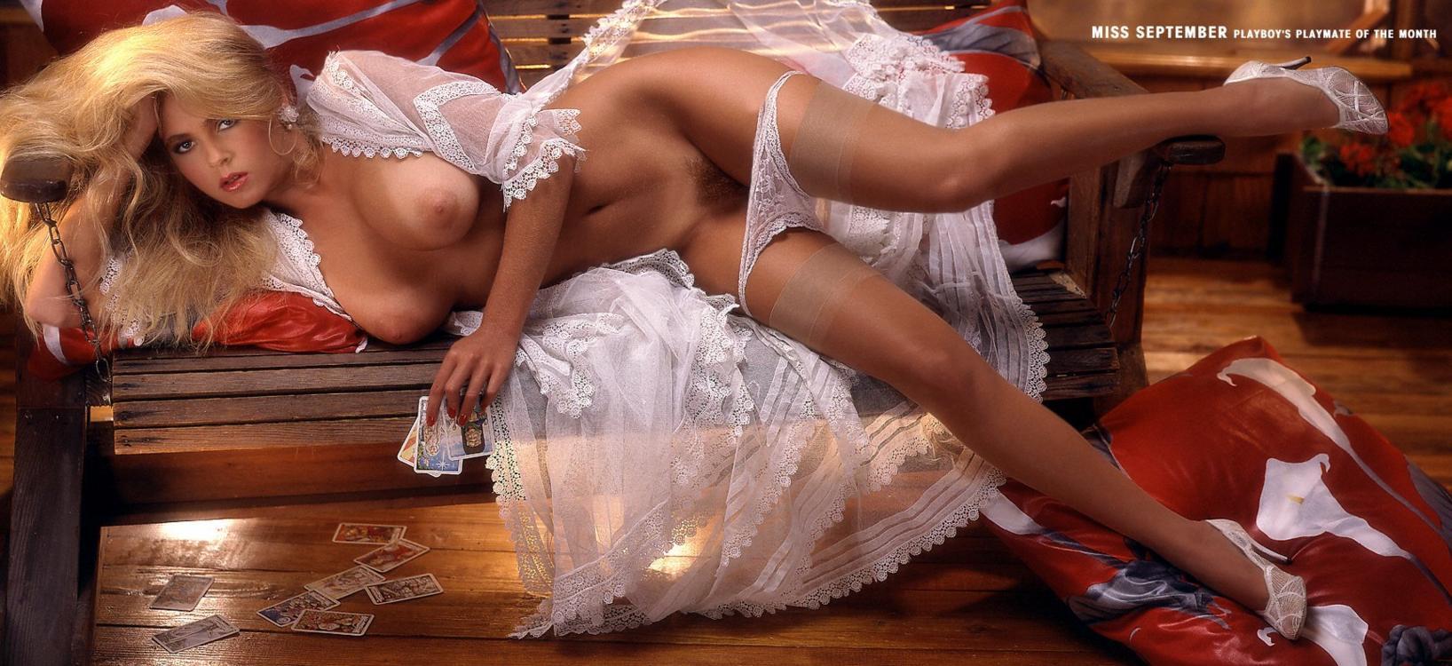 Смотреть онлайн бесплатно и без регистрации плейбой сексуальные соседки фото 188-536